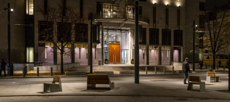 Tullins gate i oslo på kveldstid . 1b-C-J-Hambros-plass-og-Tinghuset-L194@300-foto-Amund-Johne.jpg