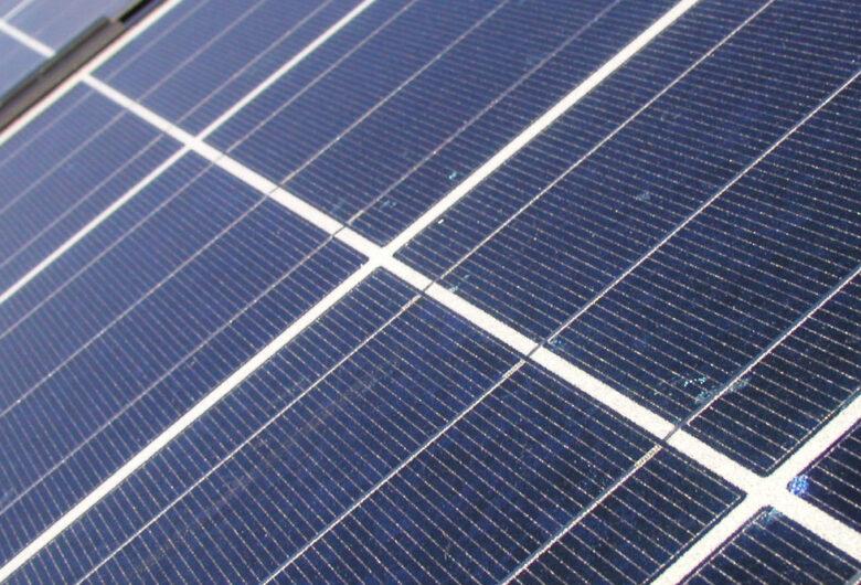 Nærbilde av Solceller på tak,