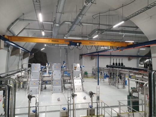 Bildet viser pumpene på innsiden av renseanlegget