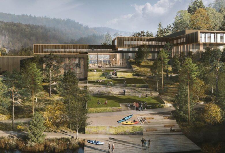 Illustrasjon av et moderne skolebygg i tre, omgitt av natur og grønne trær. Det ligger en brygge ved vannet med kajakker og mennesker. I bakgrunn høye fjell.
